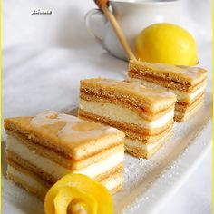 Albinita – Prajitura cu miere de albine | Bucataresele vesele Romanian Desserts, Romanian Food, No Bake Desserts, Just Desserts, Food Cakes, Cupcake Cakes, Cake Recipes, Dessert Recipes, Austrian Recipes