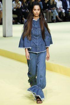 #MarquesAlmeida  #fashion #Koshchenets   Marques ' Almeida Spring 2017 Ready-to-Wear Collection Photos - Vogue