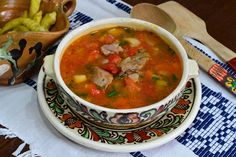 Ciorba de pui a la grec - CAIETUL CU RETETE Romanian Food, Chana Masala, Thai Red Curry, Mexican, Cooking, Ethnic Recipes, Food, Zucchini, Pork