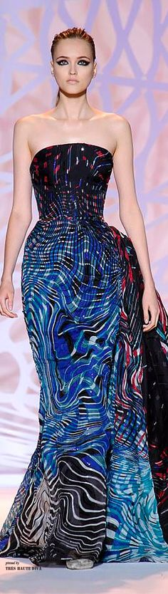 Zuhair Murad Haute Couture Fall/Winter V Haute Couture Dresses, Couture Fashion, Runway Fashion, High Fashion, Womens Fashion, Fashion Trends, Beautiful Gowns, Beautiful Outfits, Zuhair Murad