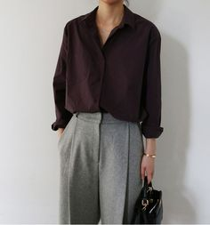 Foto (ein weiblicher Wildfang), Photo (A Feminine Tomboy) Foto Foto. Minimal Fashion, Work Fashion, Minimal Style, Fashion Women, Minimal Outfit, Fashion Fashion, Trendy Fashion, Artist Fashion, Workwear Fashion