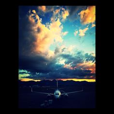 Ready for takeoff. #sunset #cloud #clouds #flight #wanderlust #journey #plane #planes #sky #blue #orange #goinghome #airtravel #homebound #bergamo #italie #italy #italia #italy