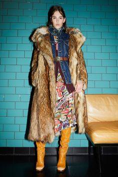 Dsquared² Spring 2015 Ready-to-Wear Collection - Vogue Diy Fashion, Fashion News, Womens Fashion, Fashion Brands, Fashion Edgy, Fashion Fall, Timeless Fashion, Vogue Paris, Fashion Show Collection