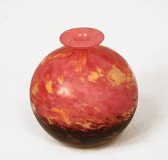 Jades vase by SCHNEIDER, Charles - A small Jades vase in pink, yellow and mauve colors by Schneider. Made in France ca. 1922-23 Signature: Schneider. (hva)