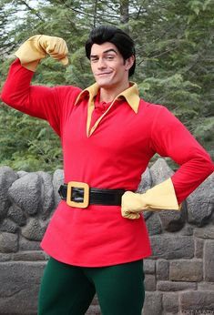 Gaston posing for a photo at Walt Disney World, before his updated costume was revealed Running Costumes, Scary Costumes, Family Halloween Costumes, Disney Halloween, Adult Costumes, Halloween Customs, Woman Costumes, Couple Costumes, Halloween Kids