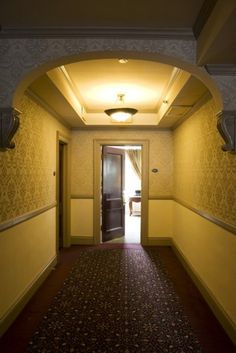 6 Haunted Hotels that Will Keep You Up Nights