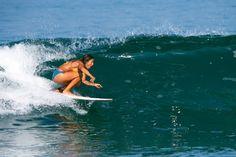 Sabrina Paoloni. EMBAJADORA DE LAS OLAS, EL SURF Y EL ARTE