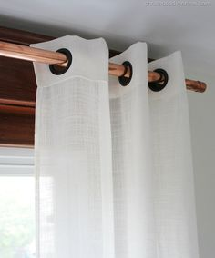 EASY & thrifty: Copper Pipe as a Curtain Rod  #DIY