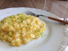 Na receita desse risoto de alho Poró com raspas de limão te ensino um truque para fazer risoto sem ter caldo de legumes pronto!