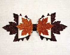Diy Leather Bows, Diy Leather Earrings, How To Make Leather, Leather Craft, Making Hair Bows, Diy Hair Bows, Diy Bow, Thanksgiving Hair Bows, Bow Template