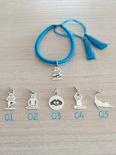 Yoga Cat Silver 925 Charm on Blue Cotton di RevolutionJewels