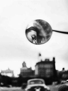 New York City. Photographed by Elliot Erwitt. (1950)