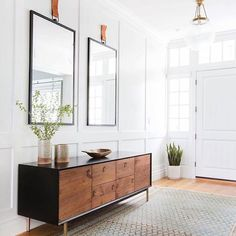 BECKI OWENS- How to Style a Console Table