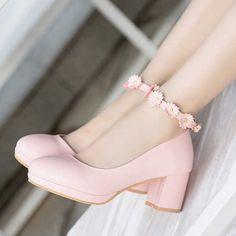 Girls High Heel Shoes, High Heels For Kids, Girls Heels, Girls Sandals, Kid Shoes, Shoes For Kids, Pretty Shoes, Beautiful Shoes, Cute Shoes