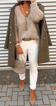 41 Beautiful Winter Outfits Ideas For Cute Women White Jeans Outfit, Cute Outfits With Jeans, Cute Fall Outfits, White Skinny Jeans, Fall Fashion Outfits, Mode Outfits, Winter Outfits, Womens Fashion, Fashion Trends