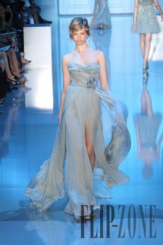 Elie Saab Fall-winter 2011-2012 - Couture - http://www.flip-zone.com/elie-saab-2282