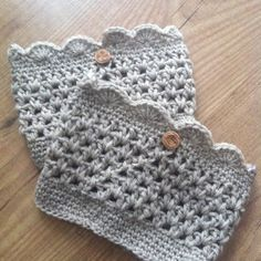 Stone Scallop Boot Cuffs 100% Pure Virgin Wool with vintage wood buttons