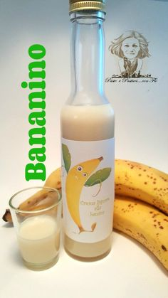 bananino liquore cremoso alla banana Alcohol Bottle Decorations, Alcohol Bottles, Alcohol Cake, Alcohol Gifts, Limoncello Recipe, Cream Liqueur, Beautiful Fruits, Wine And Liquor, Banana Cream