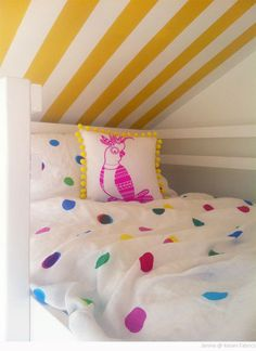 Yel­low Striped Kid's Loft Bed­room