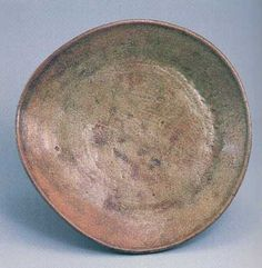 Plate. Ancient Tanba pottery. The middle of Muromachi era. The 15th century.