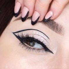 Edgy Makeup, Makeup Eye Looks, Beautiful Eye Makeup, Eye Makeup Art, Smokey Eye Makeup, Makeup Kit, Amazing Makeup, Makeup Ideas, Black Eyeliner Makeup