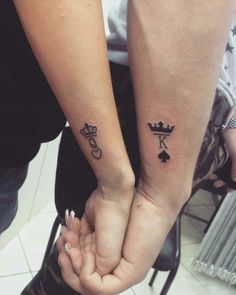 Matching Couple Tattoos Ideas--His & Hers King And Queen Tattoo, couple tattoo ideas, couple tattoos, matching couple tattoos, couples tattoo Matching Couple Tattoos Ideas--His & Hers King And Queen Tattoo Meaningful Tattoos For Couples, Small Couple Tattoos, Small Tattoos, Tattoos Infinity, Wrist Tattoos, Finger Tattoos, Anchor Tattoos, Bird Tattoos, Feather Tattoos