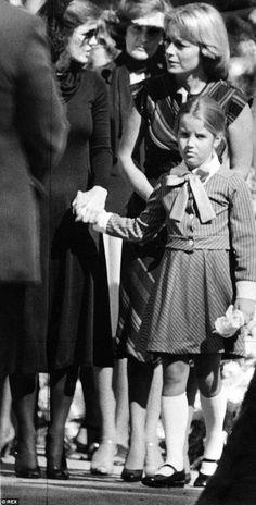 Sad farewell: Priscilla and Lisa Marie at Elvis' funeral in Memphis #elvispresley
