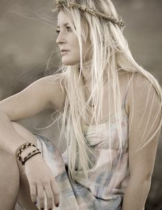 Refried Hippie: Flashback Friday : Adornments In Her Hair Boho Hippie, Hippie Love, Hippie Chick, Boho Gypsy, Hippie Masa, Gypsy Style, Hippie Style, Boho Style, Boho Chic