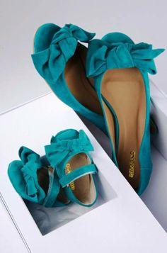 Igualzinha à mamãe, da Amoreco! Para sair combinando com o seu baby, adquira a sua sapatilha aqui na Adoro Presentes! #amoreco #igualzinhoamamae #adoropresentes #meigo #moda #verde #top