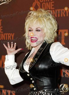 Dolly Parton During the Cmt Giants Honoring Superstar Reba Mcentire, Held at the Kodak Theatre, on October 26, 2006, in Los Angeles. Photo by Michael Germana-Globe Photos