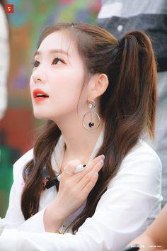 배 주현👑Bae Joohyun - Red Velvet as Visual, Leader, Lead Dancer, Main Rapper Seulgi, Kpop Girl Groups, Korean Girl Groups, Kpop Girls, Red Velvet アイリーン, Red Velvet Irene, Red Velet, Swagg, Girl Crushes