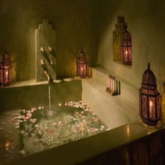 Love this Moraccan style bathroom !