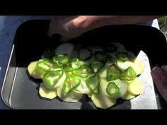 Pollo asado en horno solar