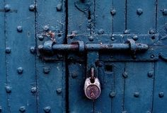 The Locked Room – A simple way to test your plot - Writers Write