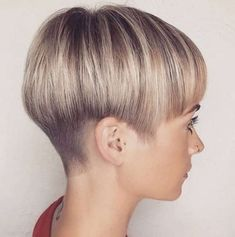 Blonde Pixie Cut - 90 Classy and Simple Short Hairstyles for Women over 50 - The Trending Hairstyle Side Cut Hairstyles, Short Wedge Hairstyles, Pixie Hairstyles, Short Hairstyles For Women, Pretty Hairstyles, Straight Hairstyles, Hairstyles 2018, Bowl Haircut Women, Short Wedge Haircut
