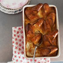 MARMALADE GLAZED BREAD AND BUTTER PUDDING
