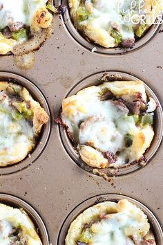Philly Cheesesteak Cups - An easy dinner recipe that tastes so good! http://www.highheelsandgrills.com/philly-cheesesteak-cups/ ‎