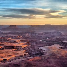 """""""The Island in the Sky mesa -- at Canyonlands #NationalPark in #Utah -- rests on sheer sandstone cliffs over 1,000 feet above the surrounding terrain.…"""""""