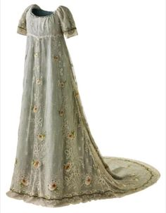 1804 court dress Historical fashion and costume design. Vintage Outfits, Vintage Gowns, Vintage Mode, Jane Austen, 1800s Fashion, Vintage Fashion, Women's Fashion, Viktorianischer Steampunk, Regency Dress