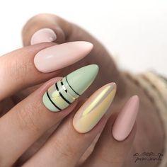 😍😍😍 or 😐😐😐 ▫️▫️▫️▫️▫️▫️▫️▫️▫️▫️▫️▫️▫️▫️▫️ Te same kolory, mała zmiana na środkowym paznokciu i stylizacja wygląda zupełnie inaczej! Spring Nail Art, Spring Nails, Summer Nails, Acrylic Nail Designs, Nail Art Designs, Acrylic Nails, Black Coffin Nails, Nail Envy, Dream Nails