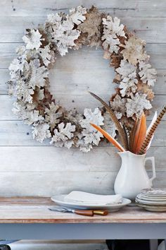 """Birch-Bark Leaf Wreath: Birch bark is the key to these autumn """"leaves."""" Click through to find more easy DIY fall crafts for adults and for kids. Diy Fall Wreath, Holiday Wreaths, Wreath Ideas, Wreaths Crafts, Fall Diy, Halloween Wreaths, Autumn Wreaths, Halloween Halloween, Maple Leaf Template"""