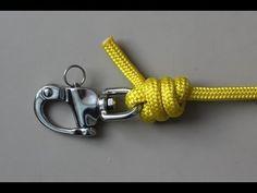 Même si nous préférons la corde d'épissage, ce nœud est un nœud facile à attacher une corde de drisse à une manille.