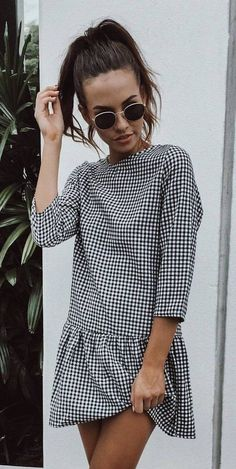 Summer Outfits: 40 Glamorous Outfits To Inspire You - Kally - Damenbekleidung Gingham Dress, Plaid Dress, Patterned Dress, Gingham Pants, Checkered Skirt, White Dress, Gingham Fabric, Dress Casual, Spring Summer Fashion