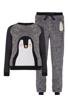 Primark - Pijama polar con pingüino - Lingerie, Sleepwear & Loungewear - amzn.to/2ieOApL Clothing, Shoes & Jewelry - Women - Lingerie, Sleepwear & Loungewear - http://amzn.to/2kMZiFM