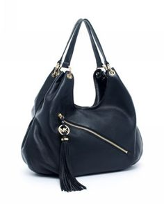 Nothing Can Compare To The Fashionable Of Cute #MichaelKors Is Suggested For You To Take In The Modern Life