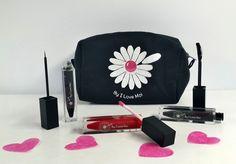Trousse Maquillage St Valentin I Love Moi comprenant : 1 Gloss Cerise Gourmande 1 Mascara Professionnel Hollywood Noir 1 EyeLiner Noir