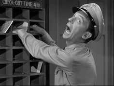 Barney gets his hands caught in mouse traps. The Andy Griffith Show Barney Fife, Don Knotts, Tv Icon, The Andy Griffith Show, Good Old Times, Great Tv Shows, Classic Tv, Classic Movies, I Love Lucy