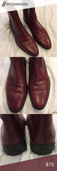 Authentic women's tods boots Women's authentic tods boots. Size 8. Color is burgundy. Excellent condition Tod's Shoes Ankle Boots & Booties