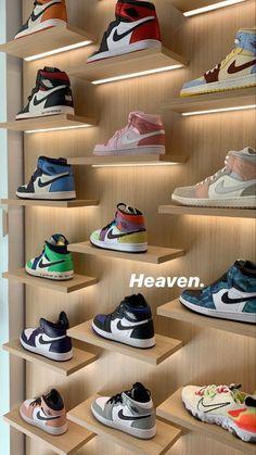 Cute Nike Shoes, Cute Sneakers, Jordan Shoes Girls, Girls Shoes, Sneakers Fashion, Fashion Shoes, Sneakers Wallpaper, Swag Shoes, Aesthetic Shoes