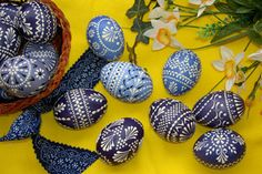 Lusatian Sorbs, a slavic minority in Germany, are famous worldwide for the incredible Easter eggs Holiday Celebrations Around The World, Celebration Around The World, Easter Egg Pattern, Easter Egg Dye, Rock Crafts, Diy And Crafts, Easter Arts And Crafts, Egg Tree, Easter Egg Designs